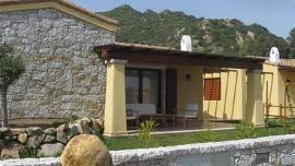 Villa San Pietro, family house , 6 beds, 500 metres from the beach