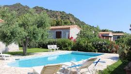 Ville San Pietro con piscina privata 6/9 posti letto a 500mt dal mare