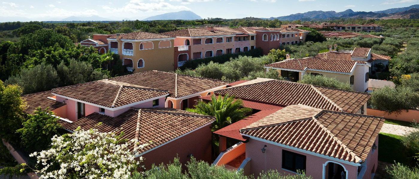 Appartamenti vacanze i giardini e i ginepri a cala ginepro for Appartamenti orosei