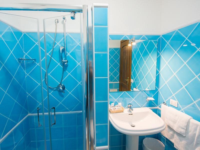 Apartments Domus Orosei 3-Room Apartment  2