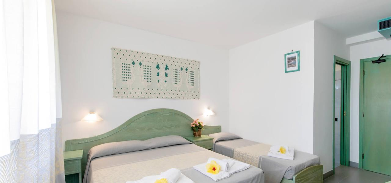 Double Room with added bed Hotel Cala Dei Pini