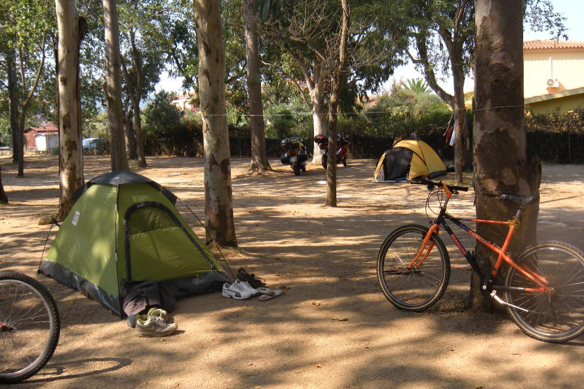 Tent pitch Camping San Teodoro La Cinta