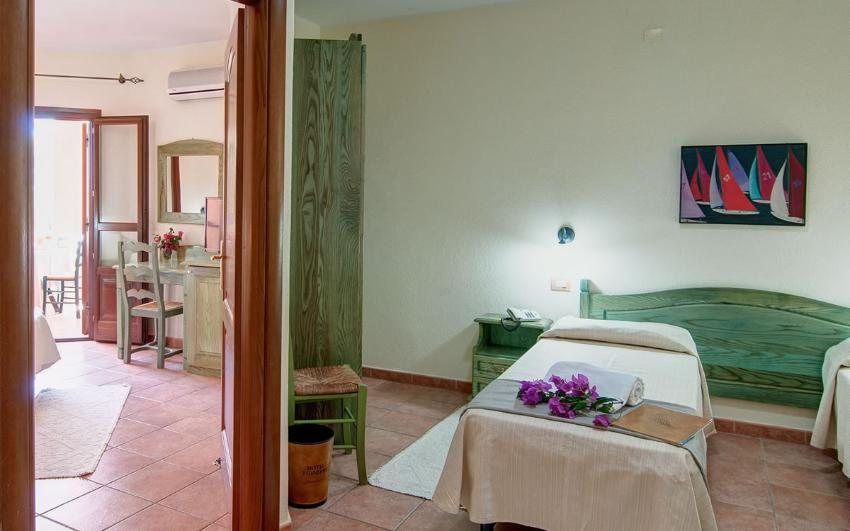 Chambre familiale communicante hotel i ginepri for Chambre communicante