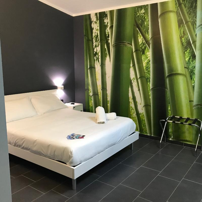 Economy Doric Bed Boutique Hotel
