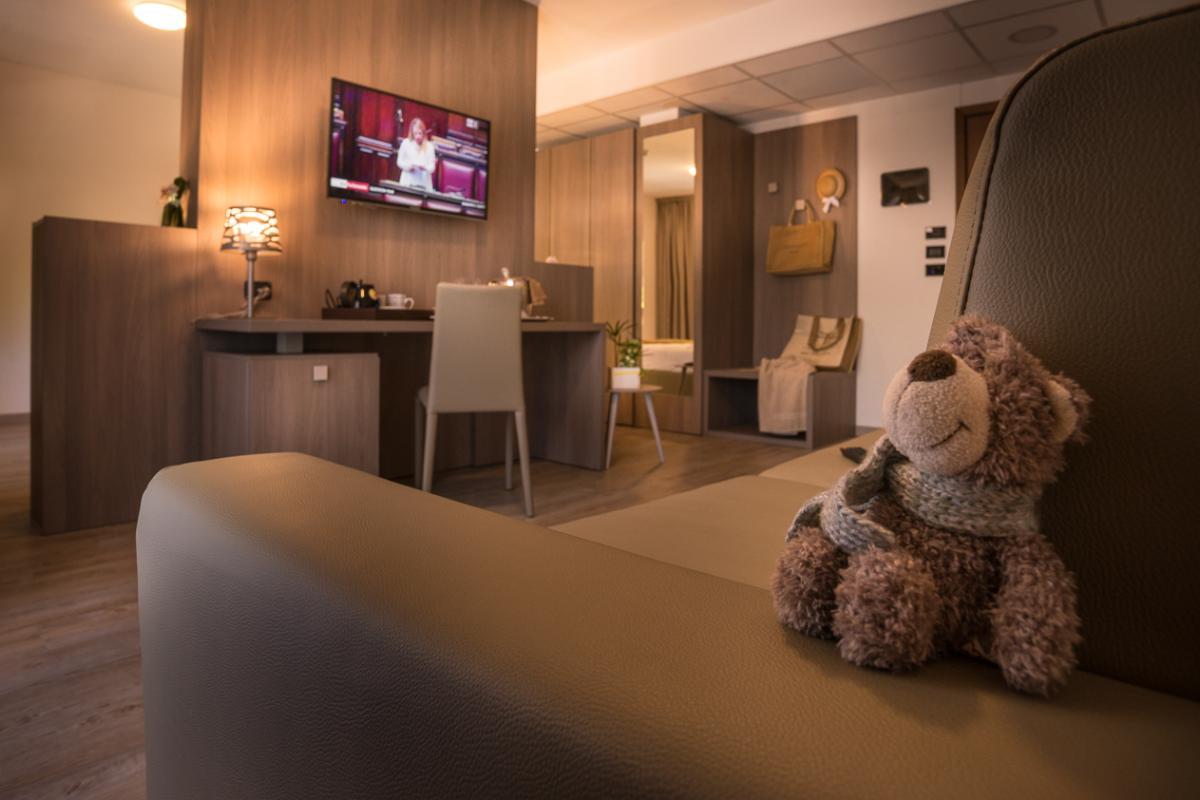 Nouvelle Suite avec vue latérale sur la mer Fantinello Hotel