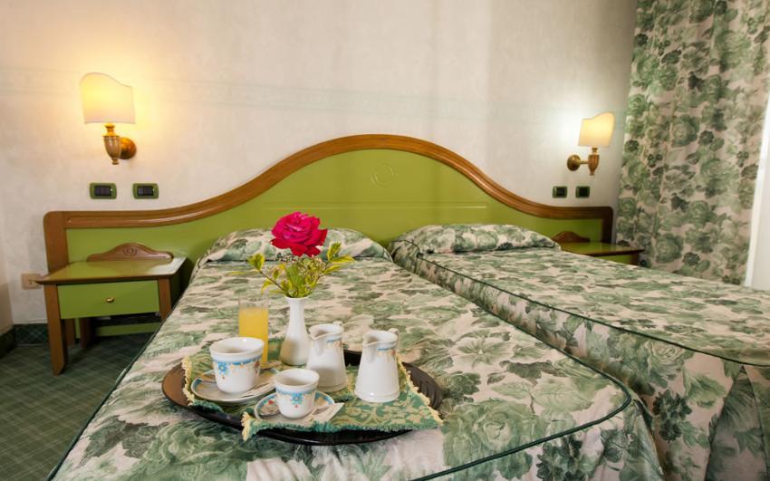 Les chambres hotel cualbu fonni - Nettoyage chambre hotel ...