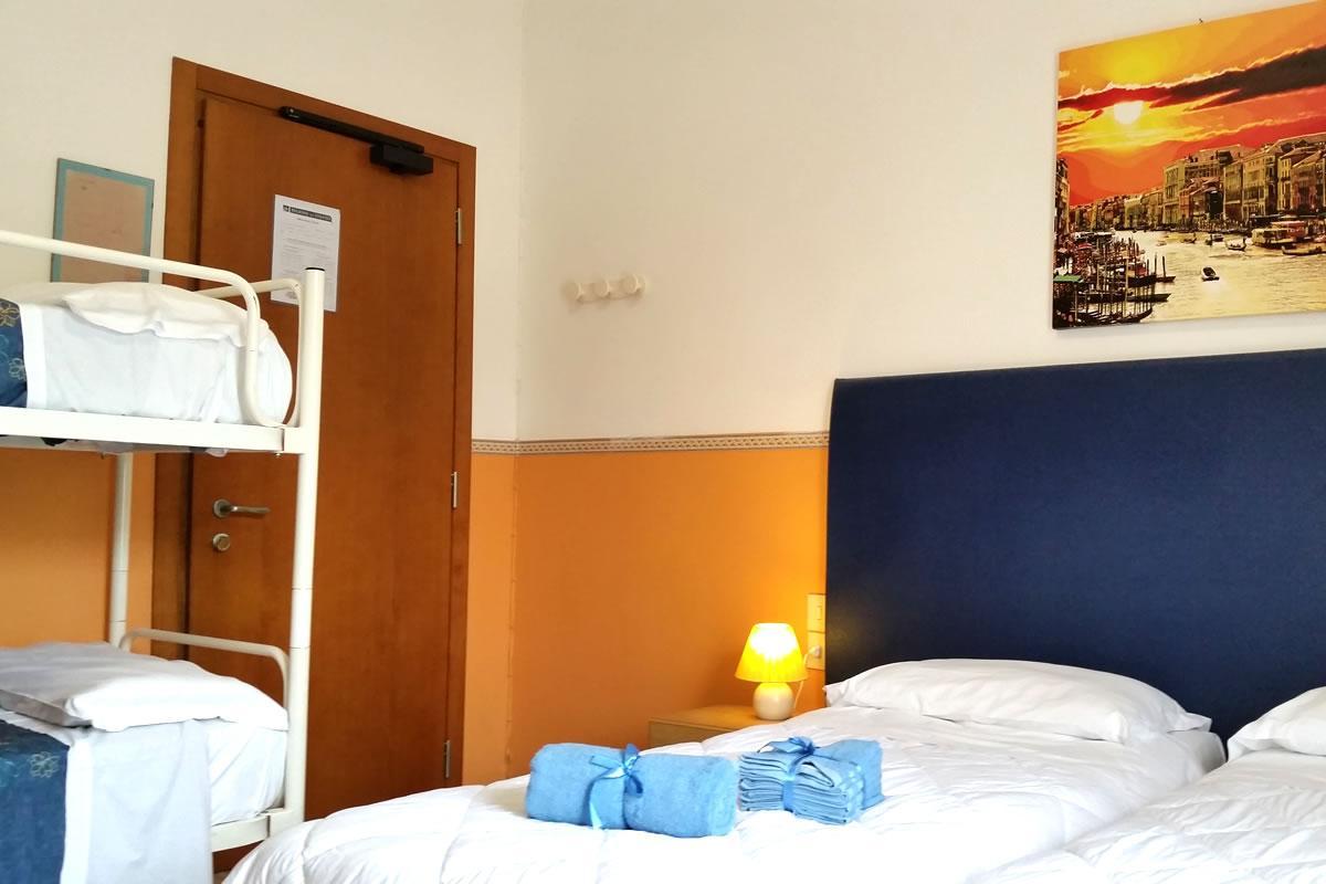 Camera Matrimoniale con 3°letto Hotel Danubio