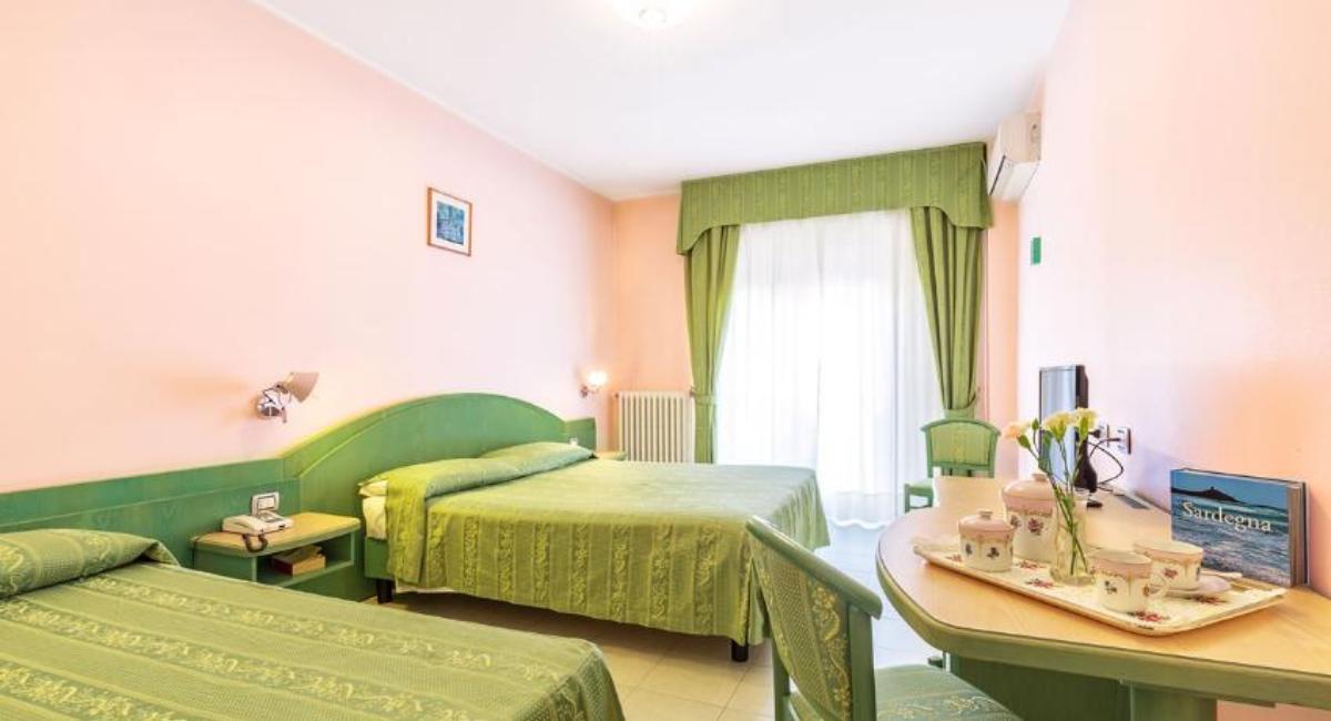 Quadruple Room Hotel Grillo Nuoro