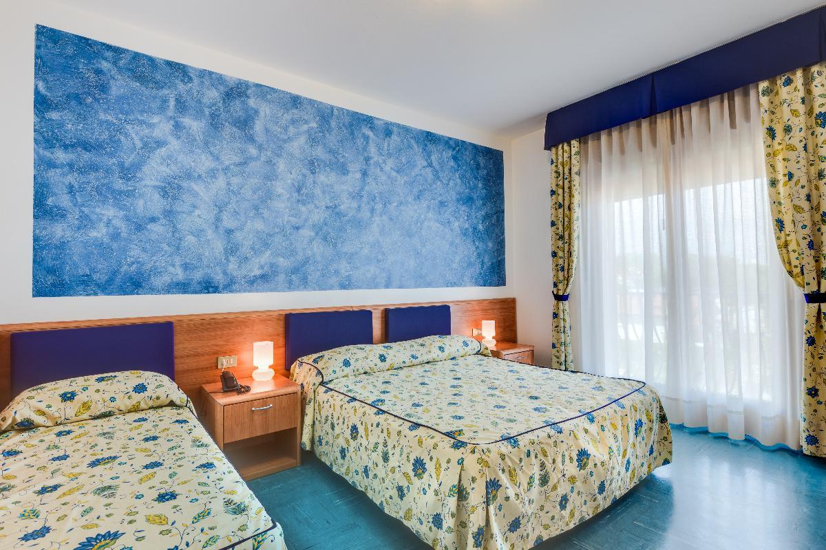 Standard Triple Room Hotel Gritti