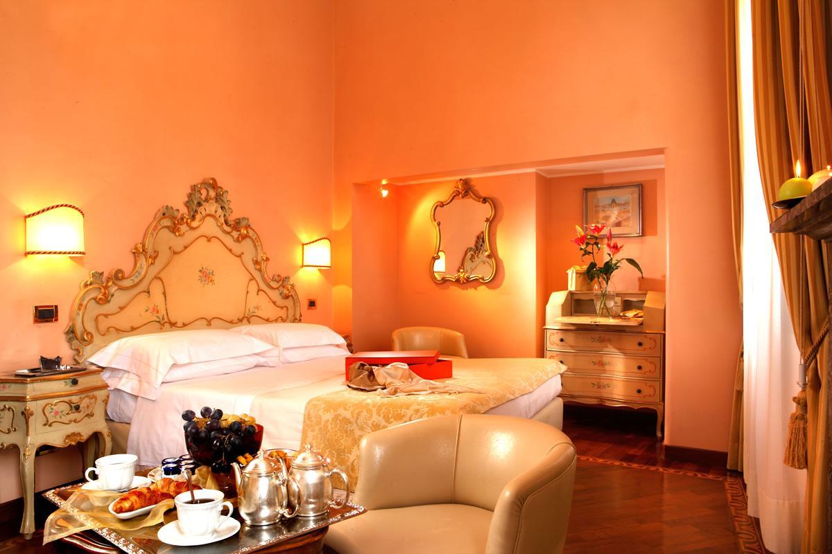 Doppia superior vista canale o giardino Hotel Pensione Accademia Venezia