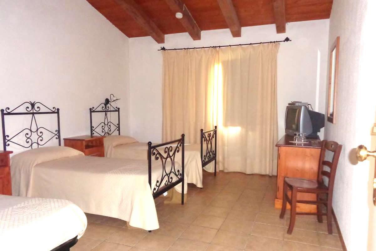 Family 4 letti Hotel Su Baione