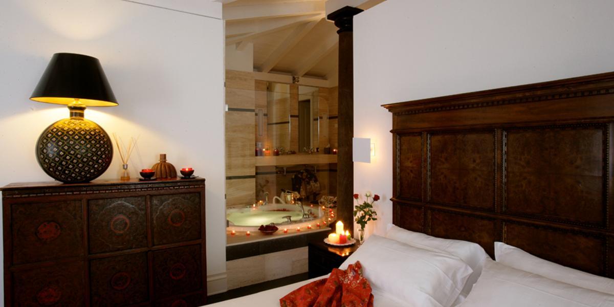Suite Notti Magiche con idromassaggio in camera Cagliari Sardegna ...