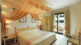 Standard room with garden view - Grand Hotel Smeraldo Beach